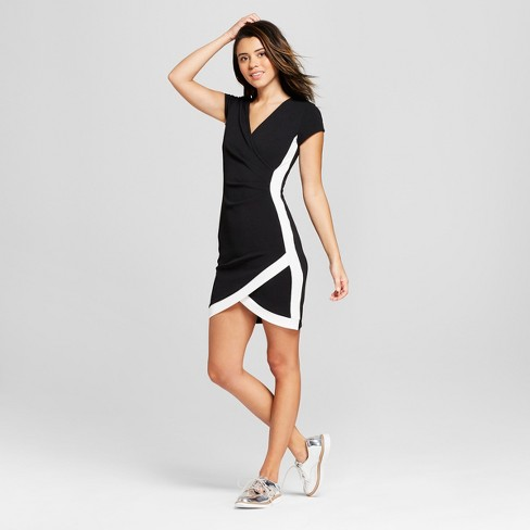 Women's V-Neck Bodycon Dress - Almost Famous (Juniors') Black/White - image 1 of 2
