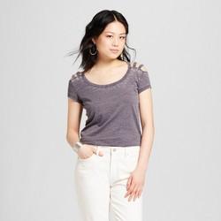 Women's Short Sleeve Shoulder Yoke Burnout Wash T-Shirt - Almost Famous (Juniors') Charcoal