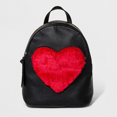 T-Shirt & Jeans Faux Fur Heart Backpack - Black