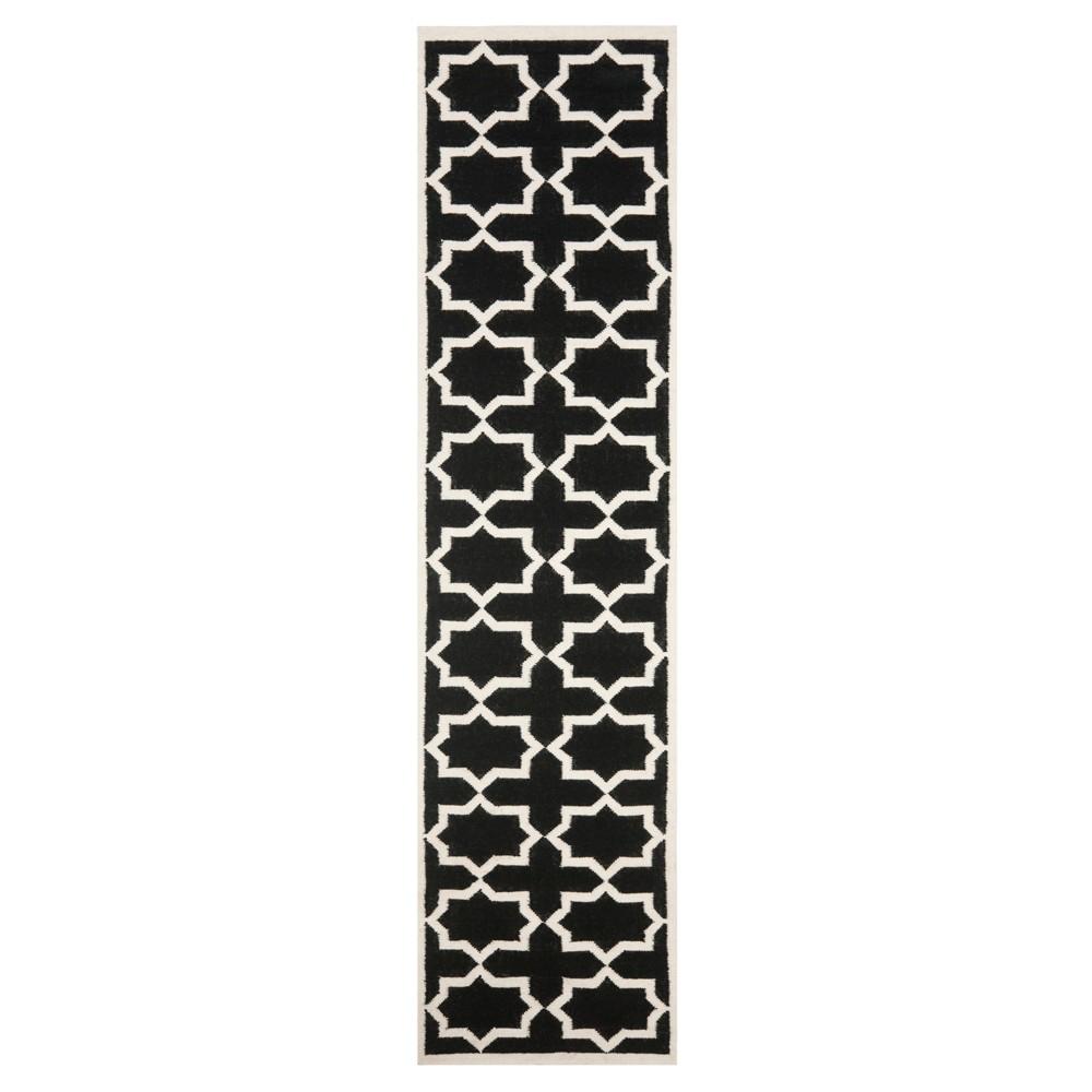 Aklim Dhurry Rug - Black/Ivory - (2'6x8') - Safavieh