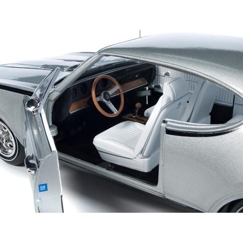1968 Oldsmobile Cutlass Hurst/Olds Silver