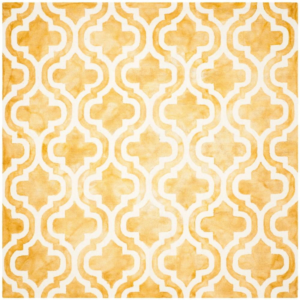 7'X7' Quatrefoil Design Square Area Rug Gold/Ivory - Safavieh