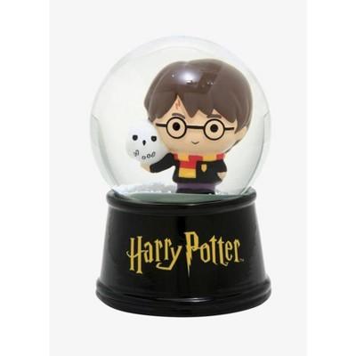 Silver Buffalo Harry Potter Chibi Castle 6 Inch Light Up Snow Globe