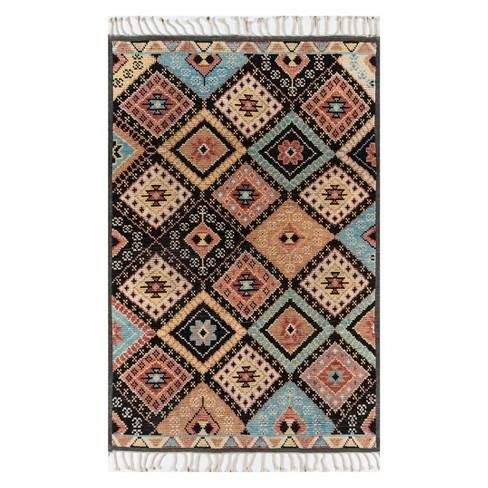 Nomad Sari Tribal Design Knotted Rug
