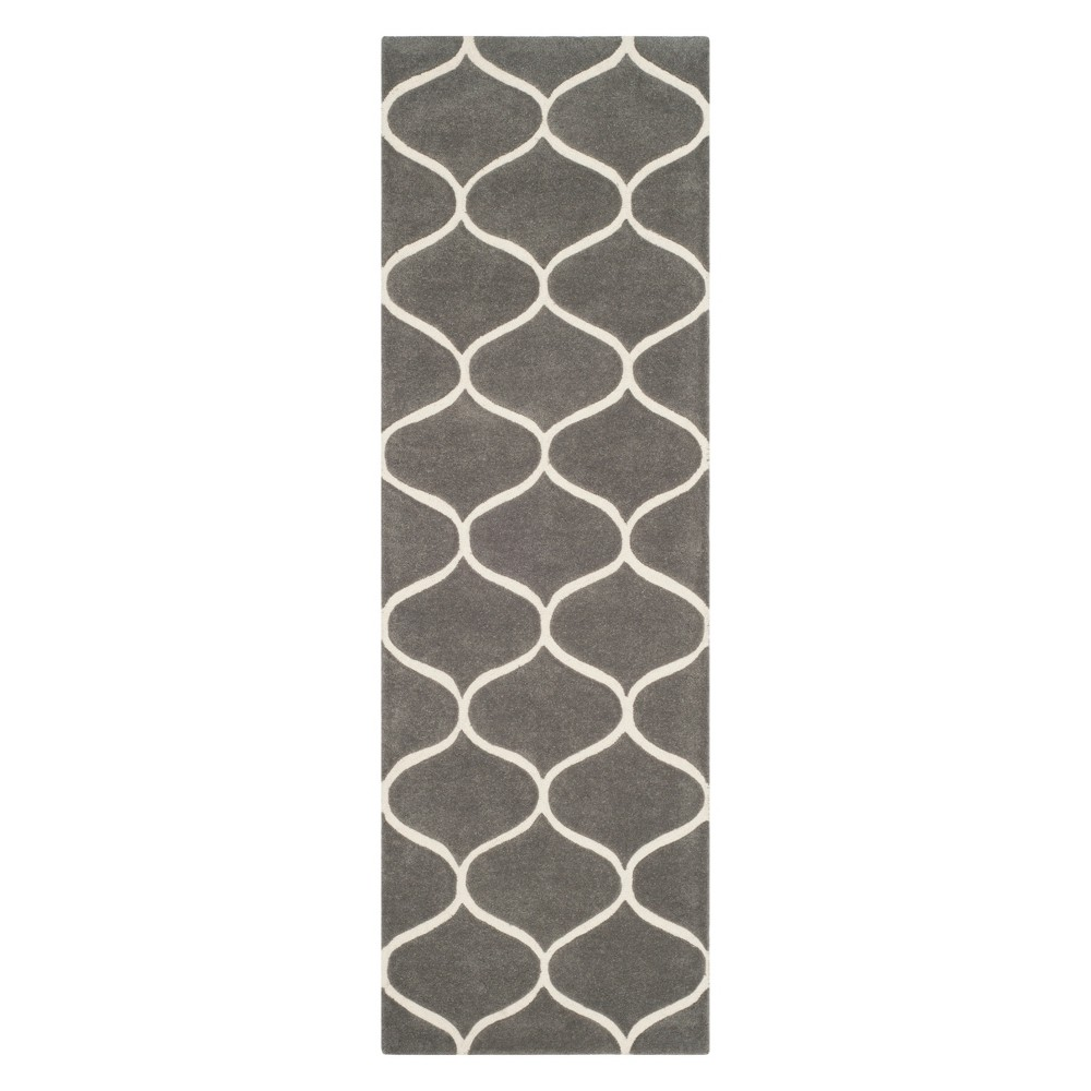 2'6X8' Geometric Tufted Runner Dark Gray/Ivory - Safavieh