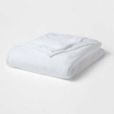 Solid Plush Bed Blanket - Room Essentials™