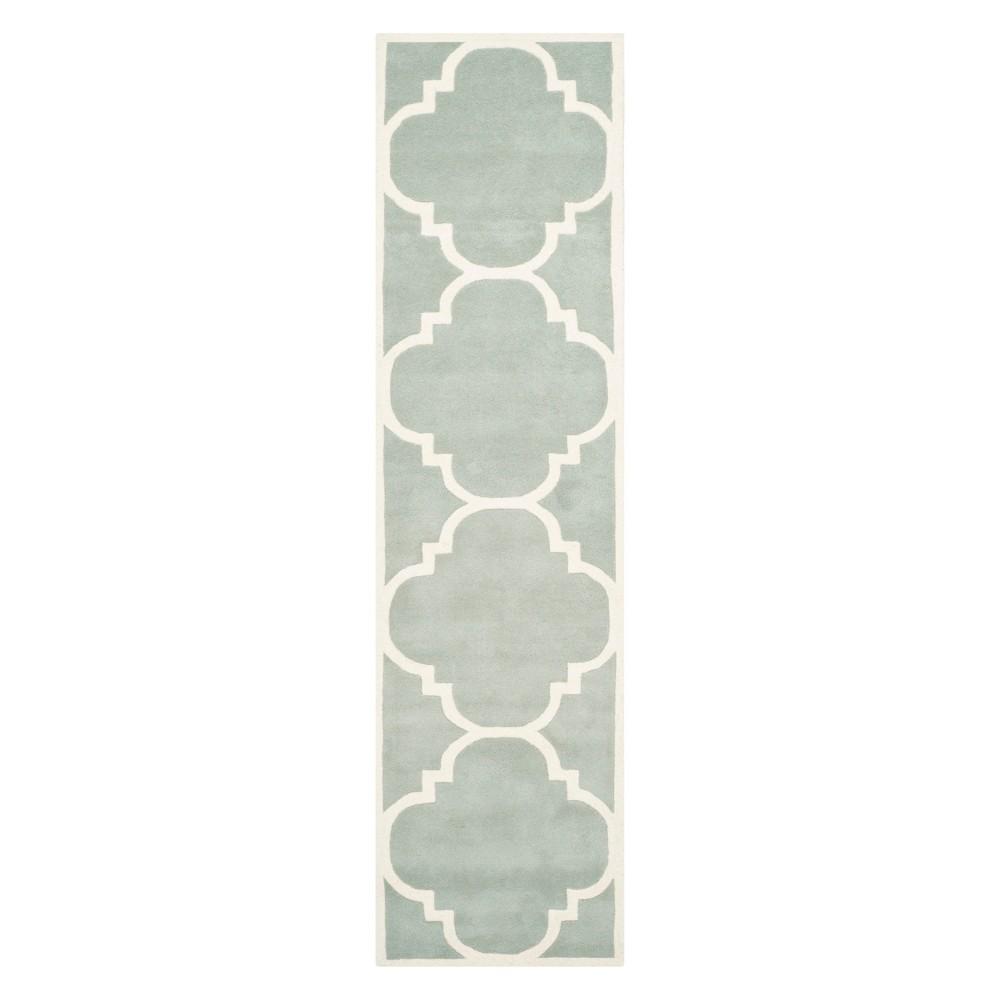 2'3X13' Quatrefoil Design Tufted Runner Gray/Ivory - Safavieh