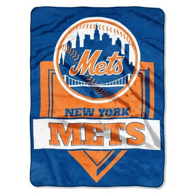 MLB New York Mets Mickey Mouse Throw Blanket and Pillow