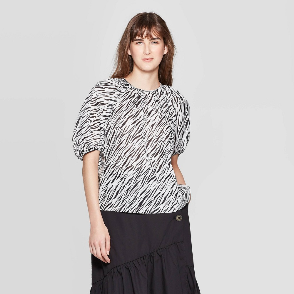Women's Animal Print Puff Elbow Sleeve Crewneck Top With Contrast Stitch - Who What Wear Bella White Xxl