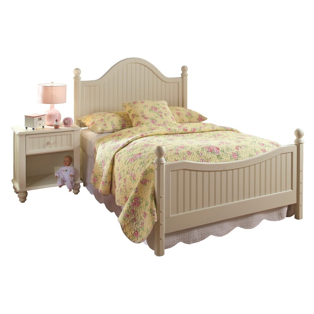 Westfield Post Bed with Rails - Off White (Full) - Hillsdale Furniture