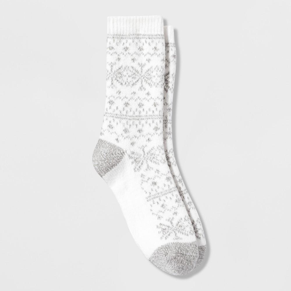 Cuddl Duds Women's Nordic Fairisle Crew Boot Socks - Ivory 9-11