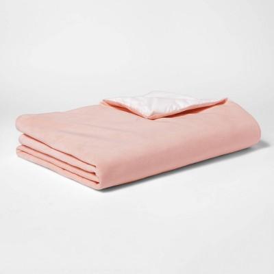 "40""x60"" 6lbs Waterproof Weighted Bed Blanket Pink - Pillowfort™"