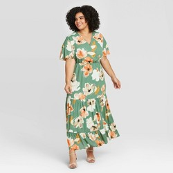 Women's Plus Size Floral Print Short Sleeve V-Neck Tiered Maxi Dress - Ava & Viv™