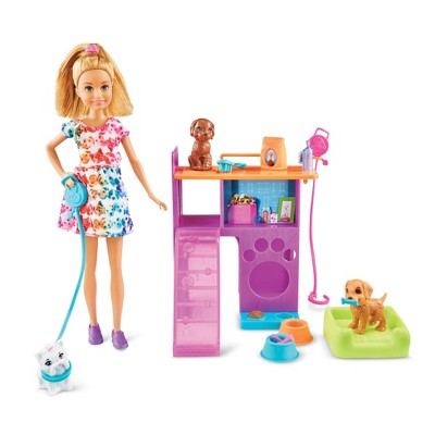 Barbie Team Stacie Puppies Playset
