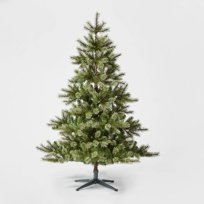 5.5ft Unlit Virginia Pine Artificial Christmas Tree - Wondershop™