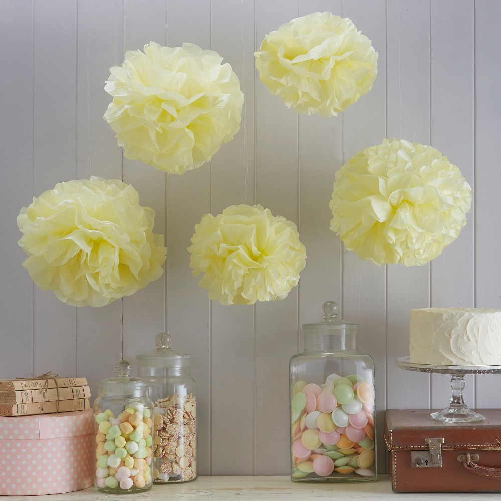 Image of 5ct Vintage Lace Pom Pom Tissue Paper Yellow