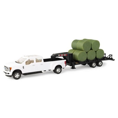 Tomy Ford F350 Pickup with Gooseneck Trailer & 10 Bales - 1:32 Scale
