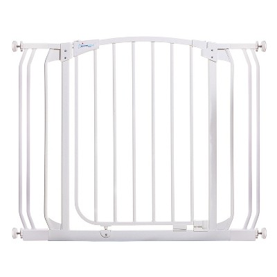 Dreambaby L778W Chelsea 28-39 Inch Wide Auto-Close Baby & Pet Wall to Wall Safety Gate with Stay Open Feature for Doors, Stairs, and Hallways, White