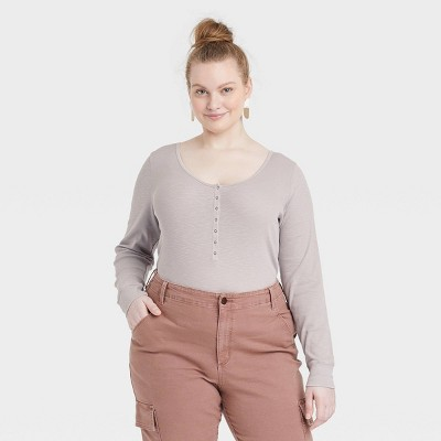 Women's Long Sleeve Henley Neck Rib Knit Shirt - Universal Thread™