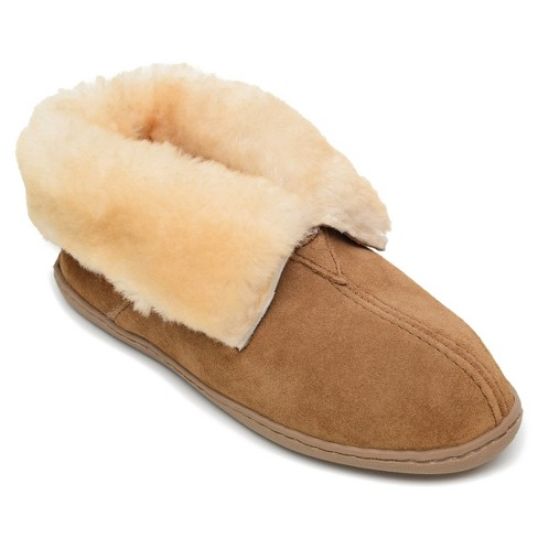Minnetonka Women's Suede Sheepskin Ankle Boot Slipper 3351. - image 1 of 4