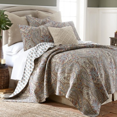Kasey Quilt and Pillow Sham Set - Levtex Home