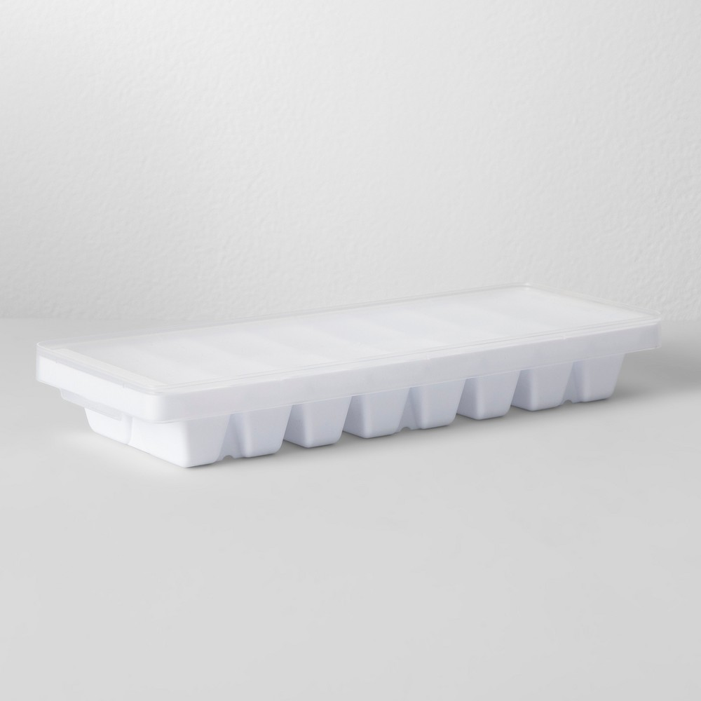 Image of Ice Cube Tray With Lid White - Made By Design