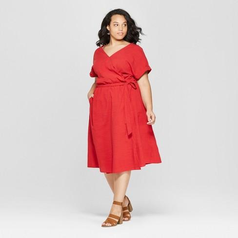 Women\'s Plus Size Short Sleeve V-Neck Midi Dress - Universal Thread ...