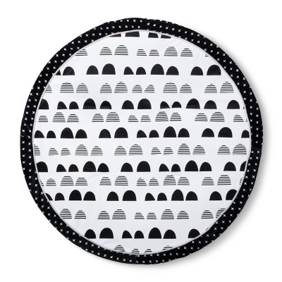 Round Activity Playmat Scallop - Cloud Island™ - Black/White