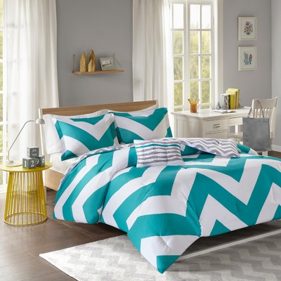 Leo Large Chevron Print Comforter Set