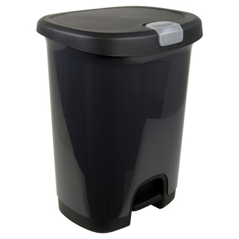 Hefty 7 Gallon Step On Trash Can With Locking Lid Black