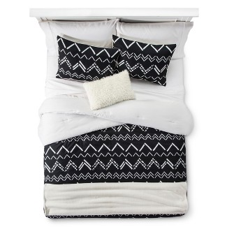 Black Chevron Stripe Comforter Set (King) 5pc - Room Essentials™