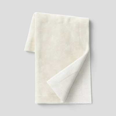 "50""x60"" Solid Plush Throw Blanket with Sherpa Reverse Cream - Threshold™"