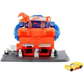 Hot Wheels City Gorilla Rage Garage Attack Playset