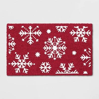 1'6 X2'6 /18 X30  Snowflakes Flocked Doormat Red - Wondershop™