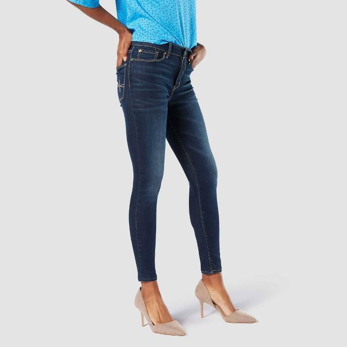 DENIZEN® from Levi's® Women's High-Rise Skinny Jeans - image 1 of 3