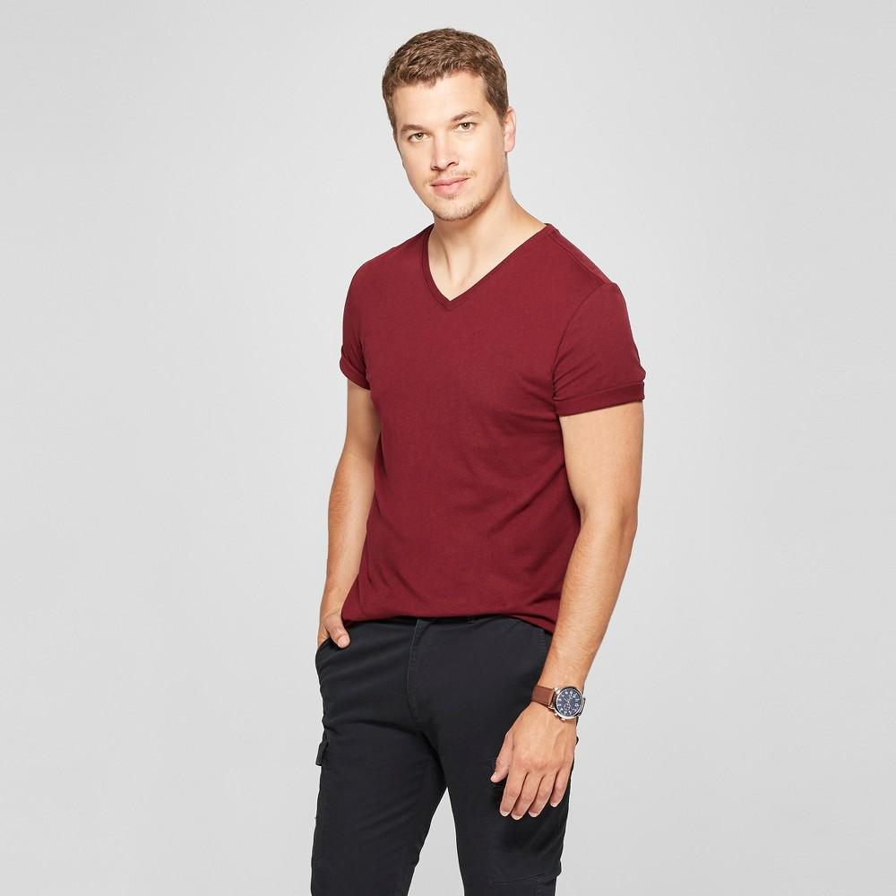 Men's Slim Fit Short Sleeve V-Neck T-Shirt - Goodfellow & Co Berry Cobbler M