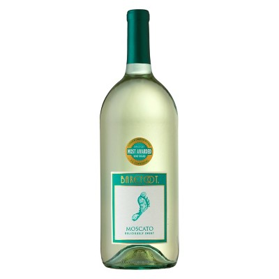 Barefoot Cellars Moscato White Wine - 1.5L Bottle