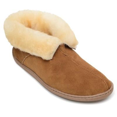 Minnetonka Women's Suede Sheepskin Ankle Boot Slipper