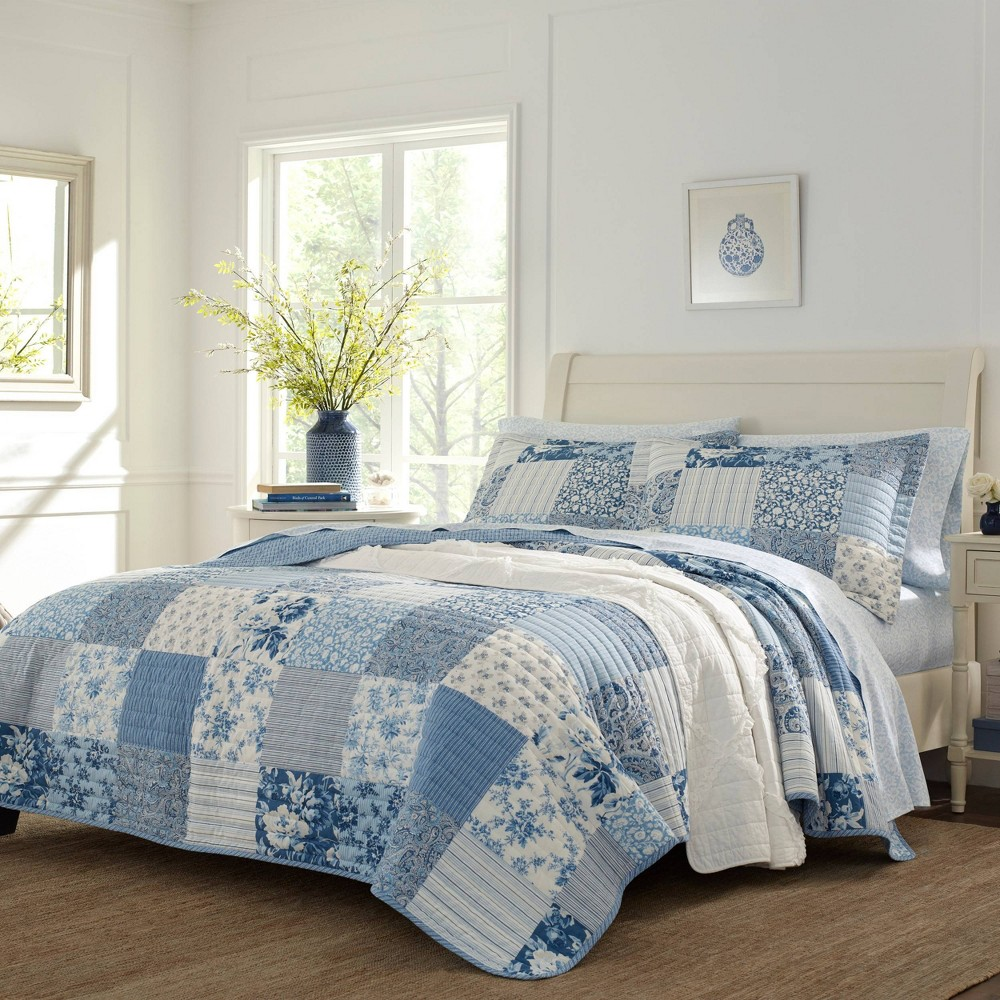 Image of Laura Ashley King Paisley Patchwork Quilt Set Blue