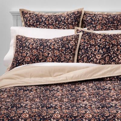 Full/Queen Floral Print Velvet Tufted Quilt Navy - Threshold™