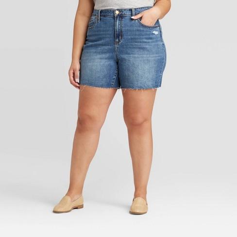 Women's Plus Size High-Rise Boyfriend Jean Shorts - Universal Thread™ Medium Wash - image 1 of 3