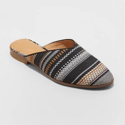 Women's Lana Flats and Slip Ons - Universal Thread™