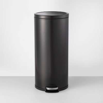 30L Round Step Trash Can Black - Made By Design™