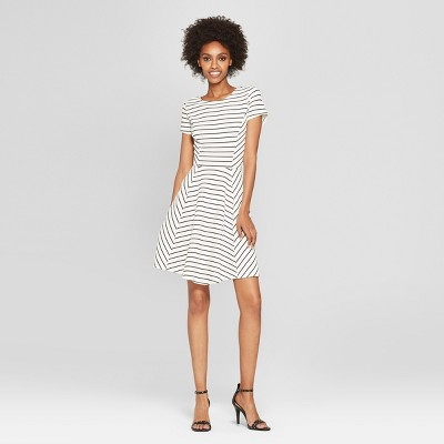 Womens Striped Short Sleeve Dress - Éclair White/Black S