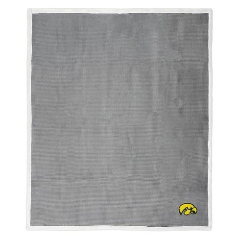 """NCAA Iowa Hawkeyes 50""""x 60"""" Waffle Throw Blanket - image 1 of 3"""