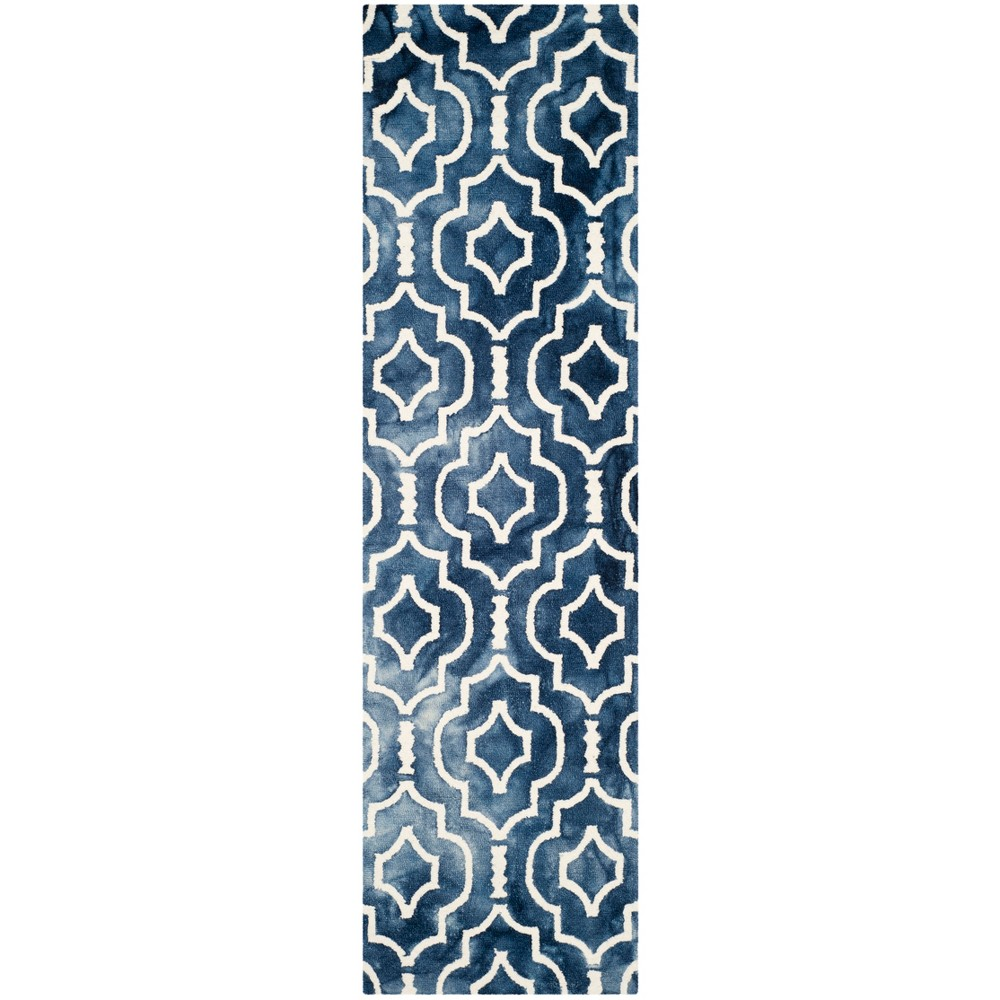 2'3X12' Tufted Quatrefoil Design Runner Rug Navy - Safavieh, Blue/Ivory