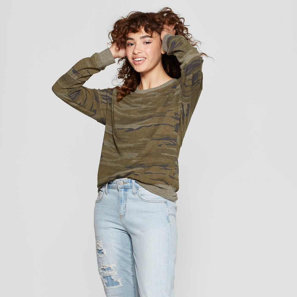Women's Camo Print Pullover Sweatshirt - Zoe+Liv (Juniors') Green L