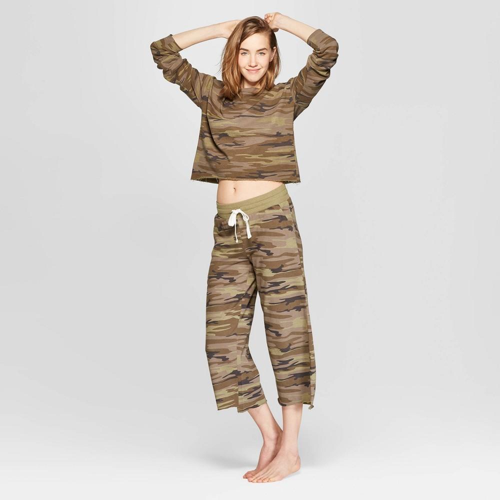 Women's Camo Print Cropped Crewneck Lounge Sweatshirt - Colsie Green L, Beige