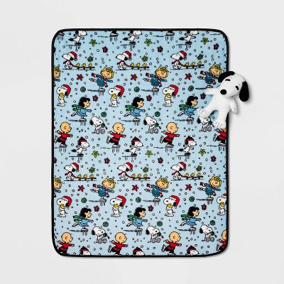 Peanuts Snoopy Throw and Pillow