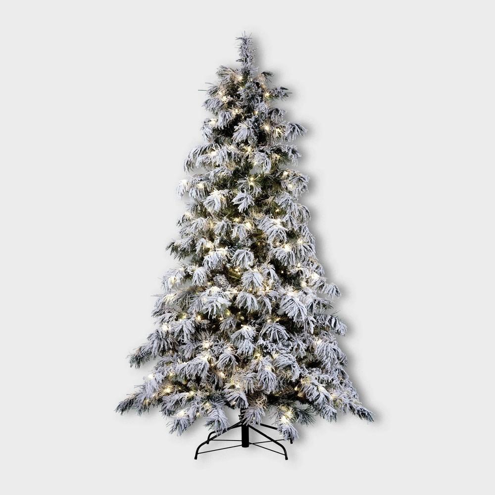Image of 7.5ft Berkshire Pre-Lit LED Flocked Full Spruce Artificial Christmas Tree - Haute Decor, White Green